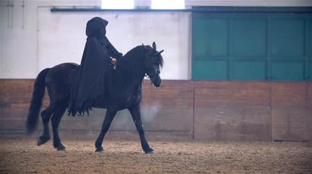 cavalinho : Sauron on Black Horse Riding Across Hall in Slow Motion
