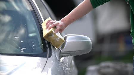 gąbka : Wet Sponge Cleaning Car Slow Motion Wideo