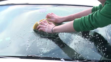 sünger : Slow Motion Car Cleaning Windshield Close Up