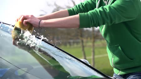 gąbka : Slow Motion Cleaning Car Outside