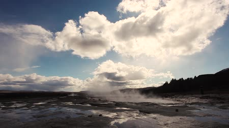 strokkur : Geysir, one of the most famous geysers in southern Iceland