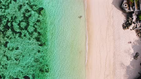 sicília : Top view of tropical beach with turquoise sea water, aerial drone footage