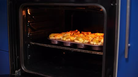 quiche : Sausage cheese bake in the oven
