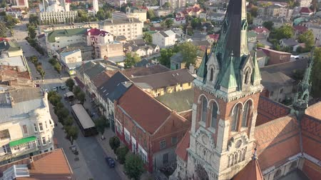 çatı : Dominican church of St. Stanislaus in Chortkiv founded in 1610, Ternopil region, Ukraine Stok Video