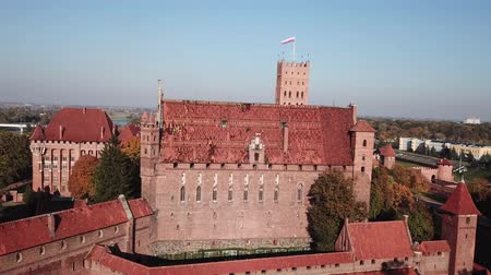 укрепленный : Aerial view Malbork castle in Pomerania region of Poland. Teutonic Knights fortress of Marienburg.