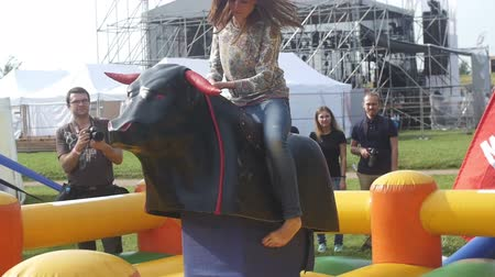 býci : Riding a mechanical bull attraction