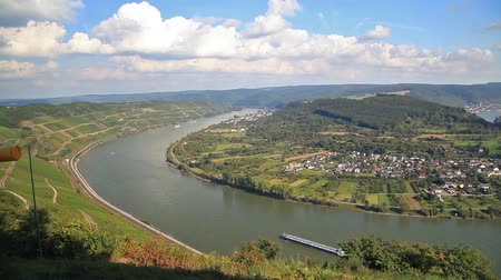 panorâmico : Picturesque bend of the river Rhine near the town Filsen, Germany, Rhineland-Palatinate