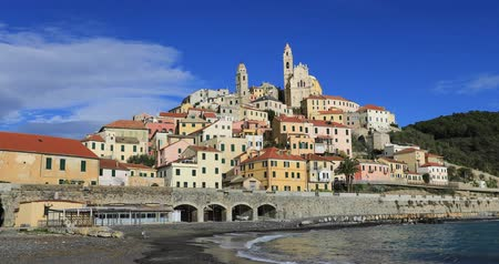 Cervo - medieval hilltop town in Liguria, Italy (zoom in view from seaside) Стоковые видеозаписи