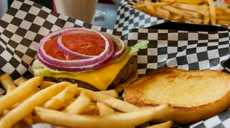 fry : Hamburger with cheese and fries