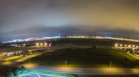 ranvej : v18. Cool panning fisheye time lapse of airplane traffic at the worlds busiest airport.