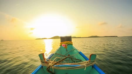 moře : v24. Boat ride time lapse to a small island near Ko Samui, Thailand in the early morning. Dostupné videozáznamy