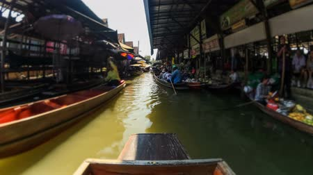 рынок : v25. Boat ride time lapse through a floating boat market in Thailand.