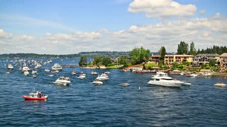 kano : v12. Boat traffic time lapse passing by in Lake Washington.