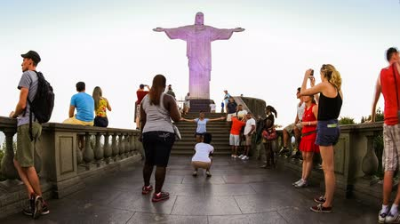 бразильский : v1. Time lapse of people at Christ The Redeemer in Rio De Janeiro, February 26th 2014.