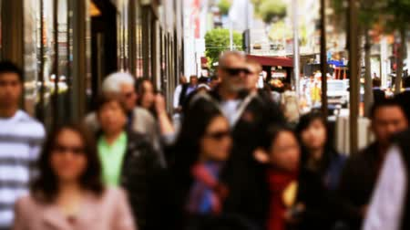 viagens de negócios : v55. Two slow motion clips of city pedestrian traffic on busy shopping street. Stock Footage