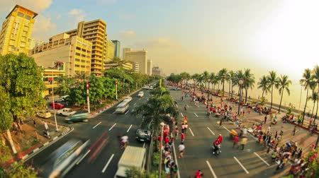 v94. City and pedestrian traffic time lapse in Manila, Philippines.