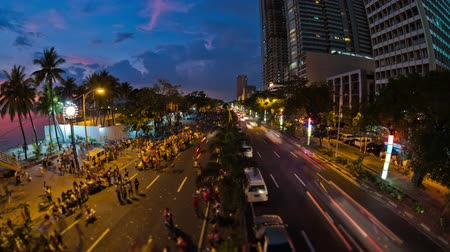 pěšina : v97. City and pedestrian traffic time lapse in Manila, Philippines.