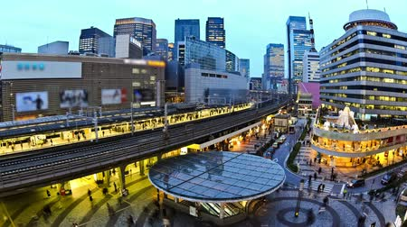 pociąg : v36. City traffic time lapse of Ginza train station.