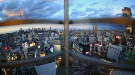 winda : Elevator ride down with great view of famous Shibuya District and crosswalk on January 26th 2013.