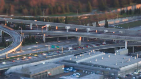 ormanda yaşayan : v24. Panning tIme lapse clip of freeway traffic during sunset using a tilt shift lens.