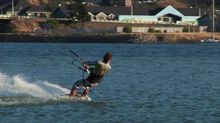 wind surf : v13. Deux clips de kiteboarder kite à Hood River, OR.