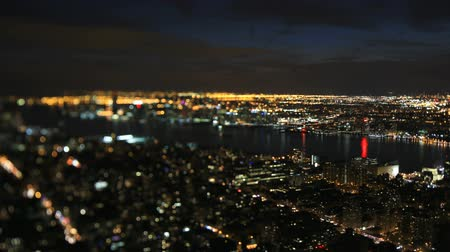 ingázó : v1. New York Cityscape time lapse at night using a tilt shift lens.