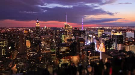 império : v9. New York cityscape time lapse clip during sunset.