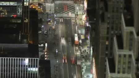 atividades : v3. Panning tIme lapse of 34th and 8th using a tilt shift lens.