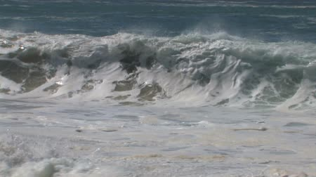 приморский : v5. Powerful ocean waves breaking on beach in Baja California.