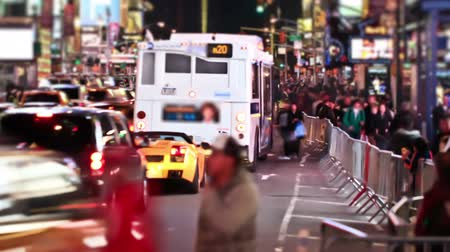 čas : v11. Busy city traffic time lapse of Times Square area. Dostupné videozáznamy