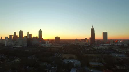 samochody : Atlanta Aerial Cityscape Sunset v42. Low flying Atlanta aerial of cityscape during sunset.