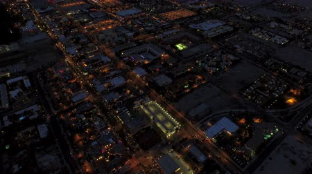 mech : Palm Springs Aerial v1 Flying over Palm Springs at dusk. Wideo