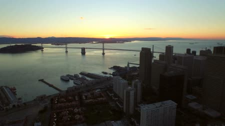 ostrovy : San Francisco Aerial v19 Flying low over downtown at sunrise.