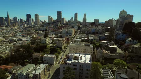centrum : San Francisco Aerial v44 Flying low over Russian Hill neighborhood panning right. Dostupné videozáznamy