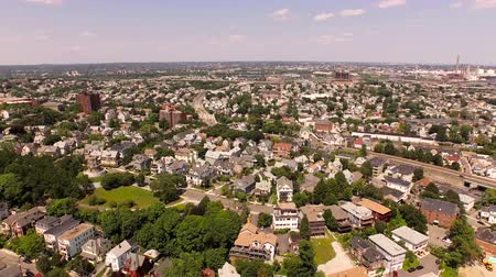 estrutura residencial : Boston Aerial v6 Flying over Prospect Hill area panning left.