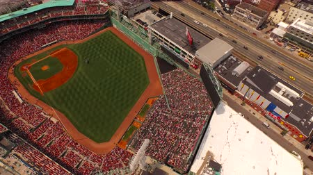 вентилятор : Boston Aerial v91 Flying over Fenway area panning down over stadium.