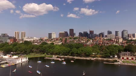 Boston Aerial v33 Flying very low over Charles River and Beacon Hill towards downtown. Filmati Stock