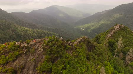 дымный : Smoky Mountains Aerial v4 Flying besides Chimney Tops summit.
