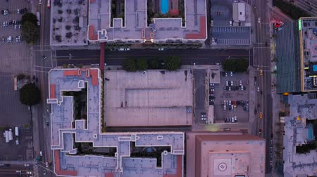 havai : Los Angeles Aerial v114 Vertical shot looking down over downtown. Stok Video