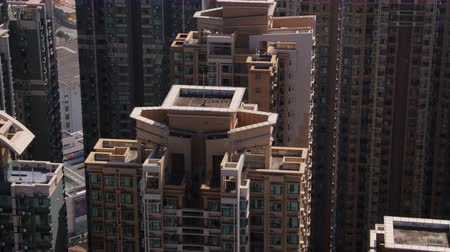 estaleiro : Hong Kong Aerial v205 Closeup birdseye view flying low around condominium complex buildings Stock Footage