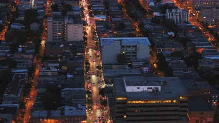 bairro : Montreal Quebec Aerial v105 Birdseye view flying low over downtown at night Vídeos