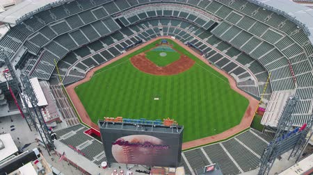 beisebol : Atlanta Aerial v335 Birdseye closeup flying around baseball stadium before game 1117