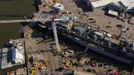 tesisler : South Carolina Charleston Aerial v83 Vertical view of shipyard panning around 1017