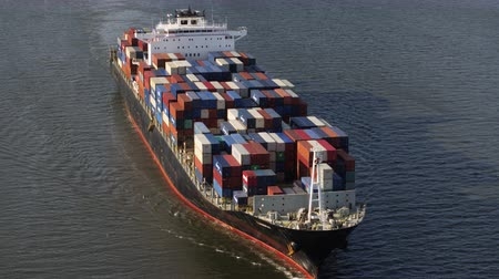 navio : South Carolina Charleston Aerial v98 Panning detail view of container ship 1017