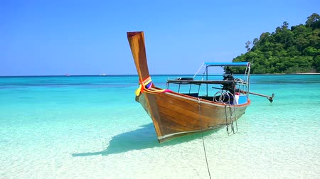 tajlandia : Tropical sand beach Koh rok andaman sea southern of Thailand.