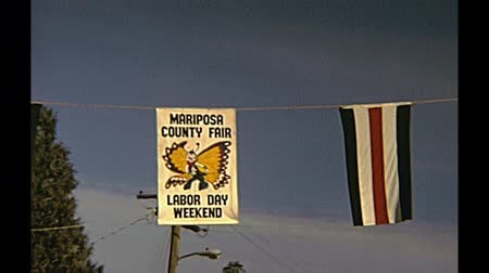 семидесятые годы : Mariposa, California, United States - circa August, 1970: historical event since 1939, the Mariposa County Fair, street view of the town, on the road to Yosemite National Park.