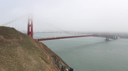 san francisco : Golden Gate Bridge from Marinas Vista Point, north shore, Mill Valley, San Francisco Bay, California. Fog in the summertime. Symbol and icon of San Francisco. American travel concept.