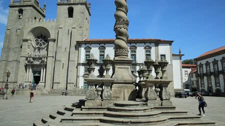 paco : Porto, Portugal - August 11, 2017: romanesque and gothic architecture of Porto Cathedral or Se do Porto, Episcopal Palace and and Pillory or Pelourinho in historic center of Porto.Unesco Heritage Site
