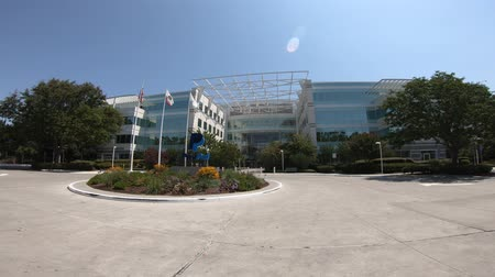 san jose ca : San Jose, CA, United States - August 12, 2018: flags of America, California and P logo of Paypal at Paypal Headquarters in Silicon Valley.