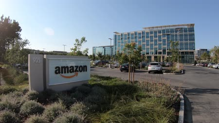 könyvesbolt : Sunnyvale, California, USA - August 13, 2018: Amazon offices in USA. Amazon is leader in electronic commerce and cloud computing, internet retailer and online bookstore and video seller.